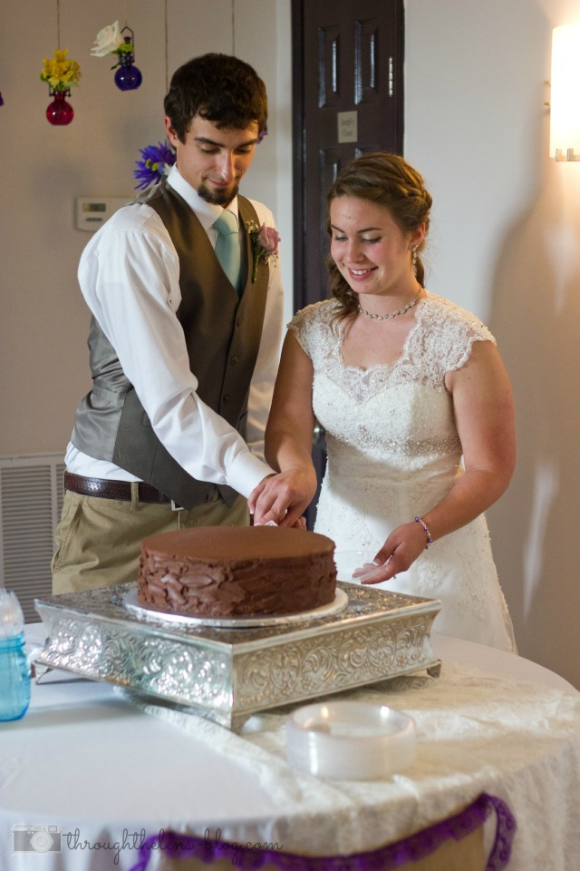 Wedding Wednesday // Grooms Cake Cutting