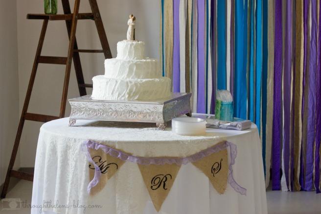 Wedding Wednesday // Simple  Wedding Cake